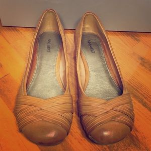 Like new Nine West brown flats size 8 super comfy!